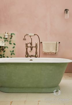 Bathroom pink and green credits Darren Chung Pure & Original