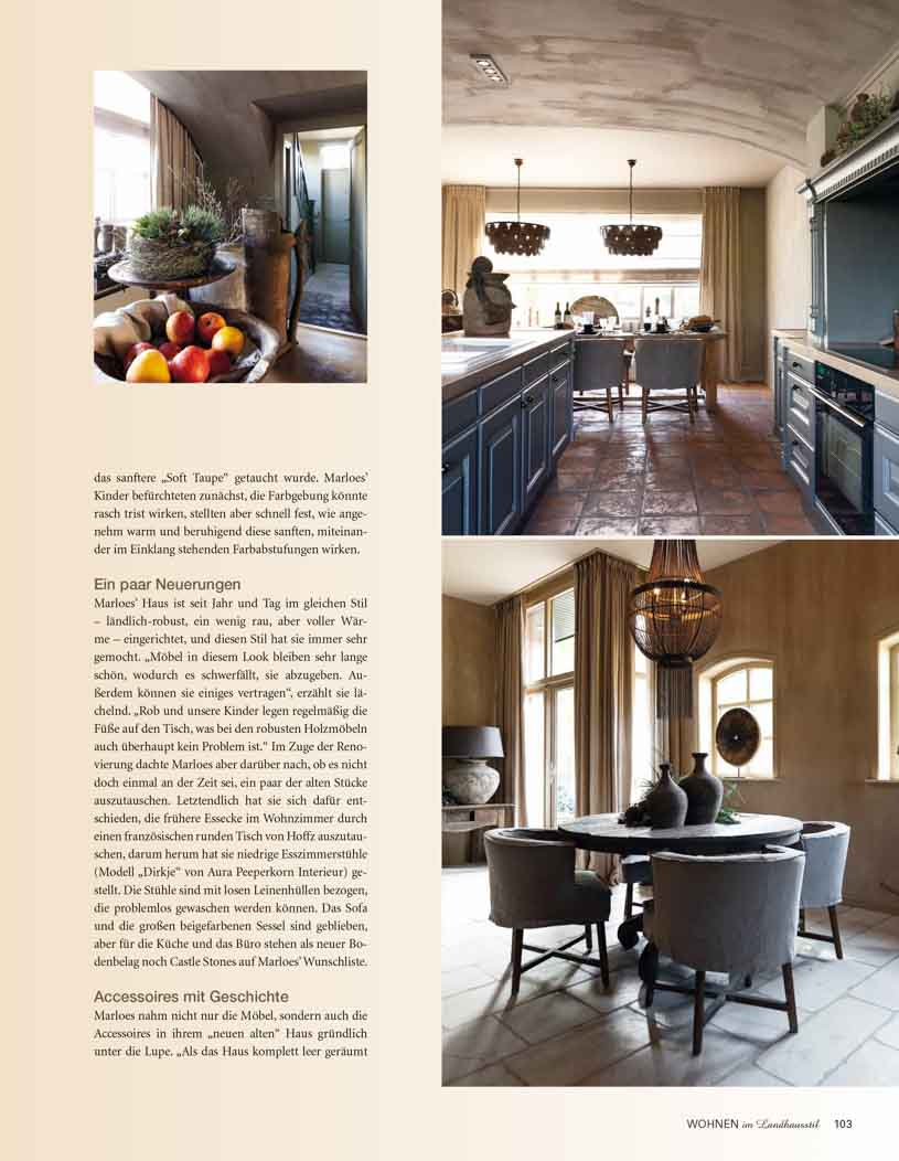 Article with pictures of a kitchen with grey brown painted ceiling, a chandelier and a dark grey tab