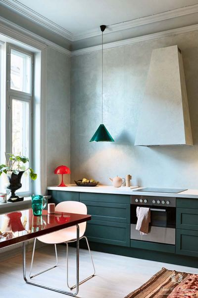 Colour Collection keuken met Marrakech Walls en Classico in Polar Blue, Lak in Black Hills