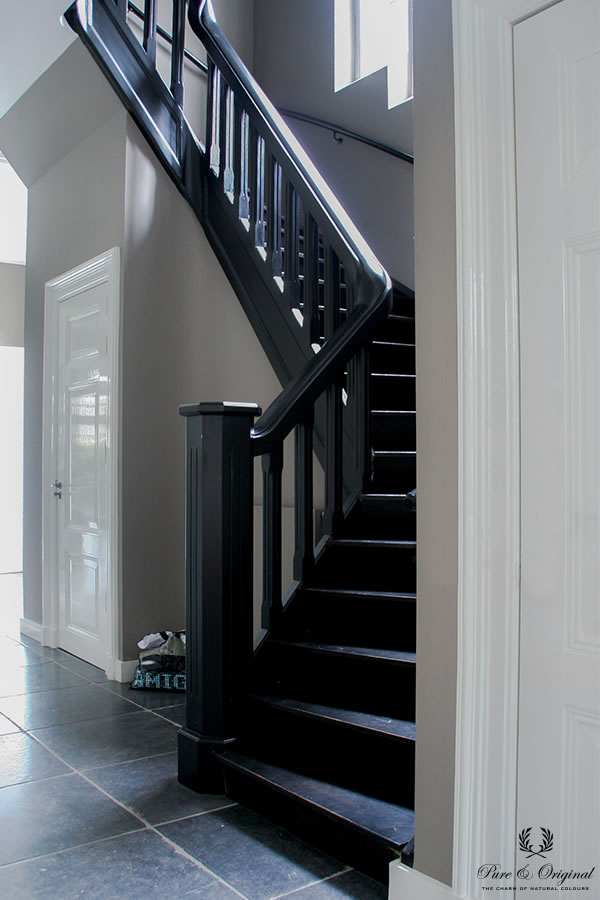Floor Paint in de kleur Black, Lakken Traditional Paint Silk White, krijtverf Evening Shadow