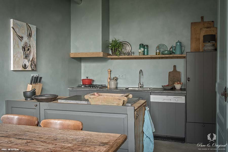Traditional Paint in de kleur Thunder Sky en Fresco Blue Reef, toegepast in de keuken
